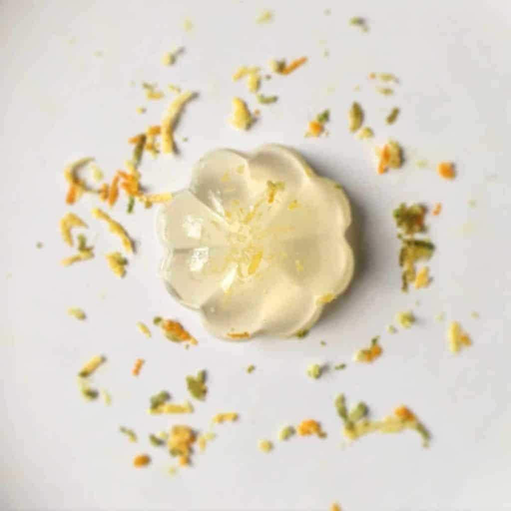 Pretty yujacha konnayku jelly in the shape of a flower