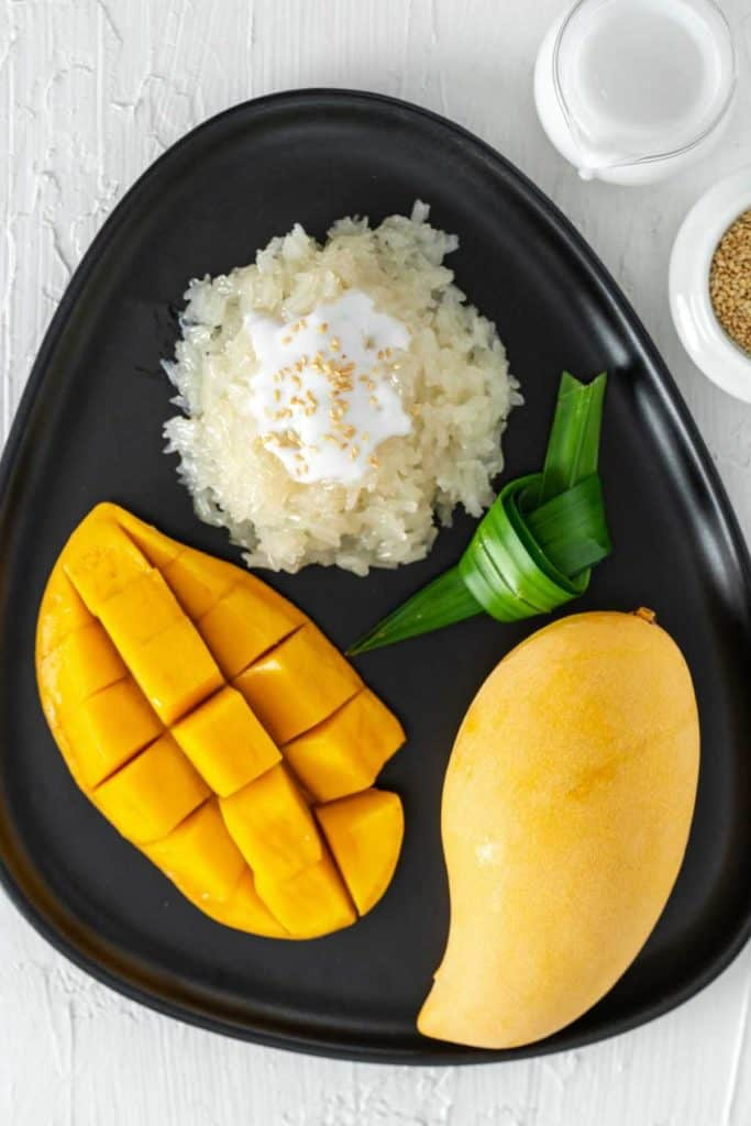 A plate of Thai mango with sticky rice